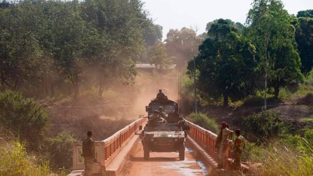 Milizen begehen weiter schwere Kriegsverbrechen