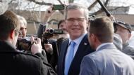 Auch Jeb Bush soll Dienst-Mails privat versandt haben