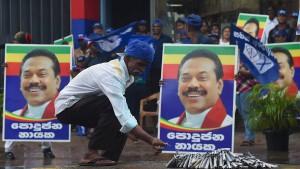 Rajapaksas tiefer Fall