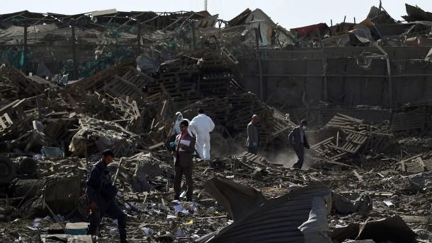 Brief Nach Afghanistan : Afghanistan taliban greifen wohnanlage für ausländer in