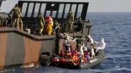 EU bittet um Hilfe im Kampf gegen Schlepper