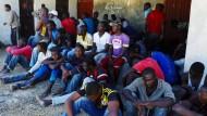 Hunderte Tote bei zwei Schiffsunglücken befürchtet