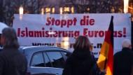 Pegida UK  kündigt Proteste an