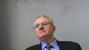 Serbien liefert Extremisten Seselj nicht aus