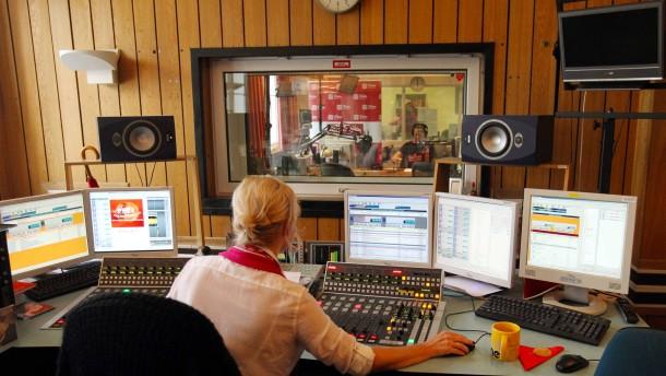 Polen könnte sämtlichen Rundfunkmitarbeitern kündigen