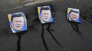 Zehntausende demonstrieren gegen Janukowitsch