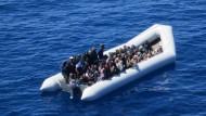 Renzi will Migranten von Überfahrt abhalten