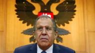 Russlands Außenminister Lawrow weist deutsche Kritik zurück.