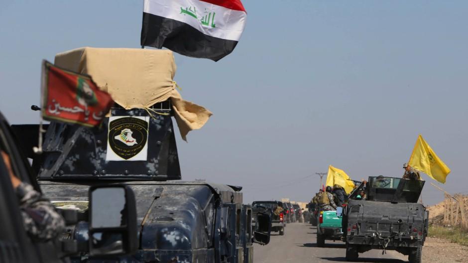 Irakische Truppen rücken auf Takrit vor.
