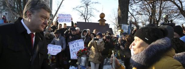 Der ukrainische Präsident Poroschenko am Freitag bei einer Gedenkfeier auf dem Maidan
