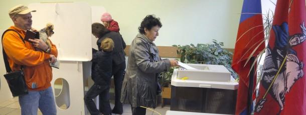 Nur wenige gingen wählen: Wahllokal am Sonntag in Moskau