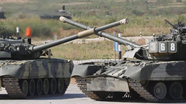 Kiew: Russland schickt Panzer über die Grenze