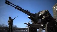 Rebellen melden Abzug eigener Waffen
