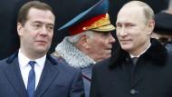 Putin kürzt sich das Gehalt