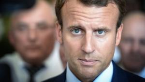 Macron bringt sich für Präsidentschaftswahl in Position
