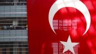 Regierung sagt Linksextremisten den Kampf an
