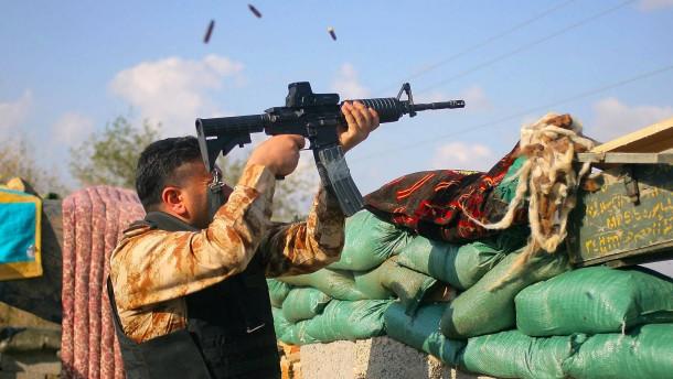 Iraker belagern IS-Kämpfer im Zentrum von Tikrit