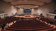 Parlament vereidigt Minister al Abadis