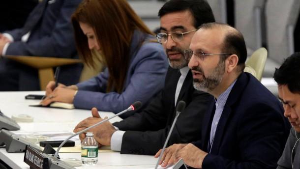 Parlament billigt Rohanis diplomatischen Kurs
