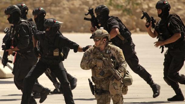 Jordanischer Polizist erschießt drei ausländische Ausbilder