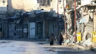 Viele Straßen Aleppos sind von Ruinen gesäumt.