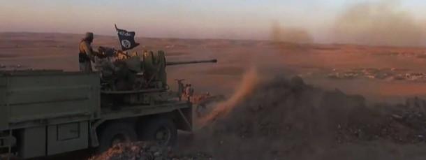 In einem von der Terrorgruppe verbreiteten Propagandavideo soll einer ihrer Kämpfer in der Nähe von Kobane zu sehen sein