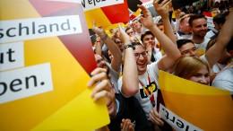 Merkel kann weiter regieren, SPD geht in Opposition
