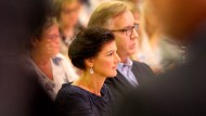 """Teilweise radikales Zeug"""":Sahra Wagenknecht und Dietmar Bartsch auf einem Parteitag im Juni."""