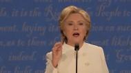 Clinton weicht Frage aus