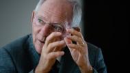 """""""Ich will die Hoffnung nicht aufgeben, dass sich Russland wieder besinnt"""", Wolfgang Schäuble über den Ost-West-Konflikt."""