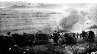 Nach stundenlanger Artillerievorbereitung versuchten die Soldaten, die französischen Stellungen zu stürmen.