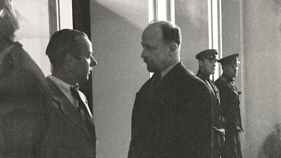 Heinz Rühmann im Gespräch mit Walter Ulbricht