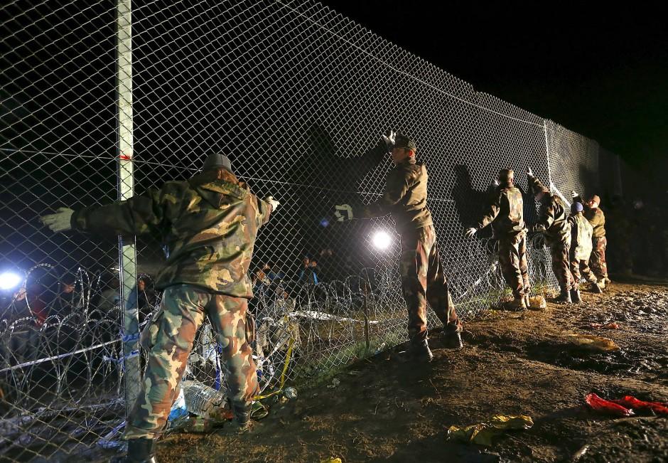 Grenzzaun gegen Flüchtlinge in Ungarn
