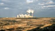 Qualmender Gigant: Das Braunkohlekraftwerk in Belchatow