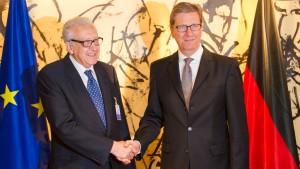 Die EU will Syrien-Sanktionen zugunsten der Assad-Gegner lockern