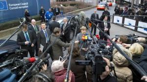 Alle Blicke auf Merkel
