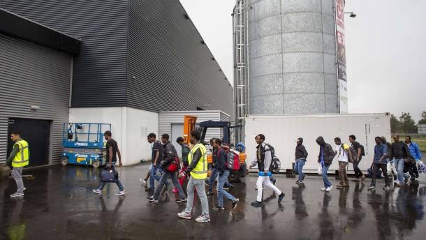 Deutschland will mehr als 12.000 Flüchtlinge aufnehmen