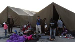 Österreich schickt Soldaten an die Grenze