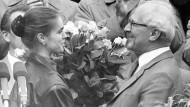 Apparatchika: Das einst schönste Gesicht des Sozialismus (links)