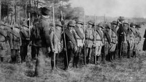 Historisches E-Paper zum Ersten Weltkrieg: Hundert Jahre Wehrpflicht zum Kriegsdienst