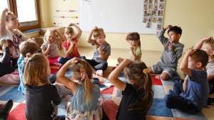 Weniger Kleinkinder und mehr Personal in Kitas