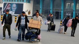 De Maizière verteidigt Abschiebung nach Afghanistan
