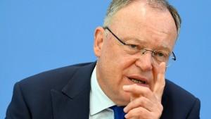 Stephan Weil fordert Ende der Russland-Sanktionen