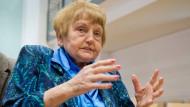 Die Auschwitz-Überlebende Eva Kor wird von den anderen Nebenklägern kritisiert.