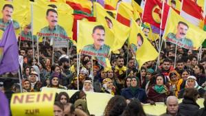 Polizei ermittelt wegen Werbung für PKK