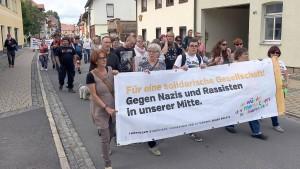 Hunderte demonstrieren gegen Rechtsrock-Konzert