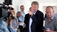 Jörg Meuthen spricht am Mittwoch mit Journalisten in Stuttgart.