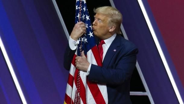 Schwiegertochter befeuert Spekulationen über Trump-Kandidatur 2024