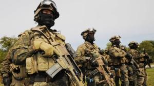 Elitesoldat wegen Rechtsextremismus suspendiert
