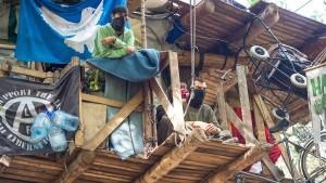 Polizei hat zehn Baumhäuser beseitigt